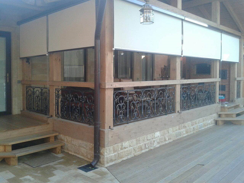 Рулонные шторы в коробе с направляющими (фото 2)